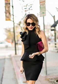Также отвести внимание от живота поможет платье с баской