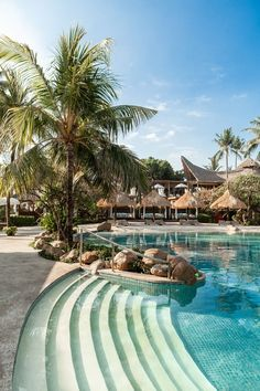 Discover the best resorts and spa in the beautiful Bali.
