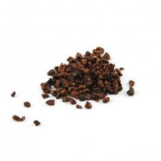 Cocoa Nibs / Chips of bitter, roasted cocoa beans for adding to biscuits, infusing into creams or adding to fruit granola