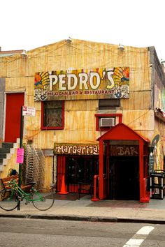 exterior of pedro's mexican bar & restaurant, brooklyn (dumbo), new york | foodie travel #storefronts
