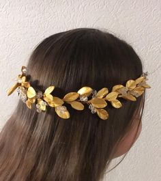 Best Indoor Garden Ideas for 2020 The number of internet users who are looking for… Bridal Hair Chain, Bridal Hair Flowers, Wedding Headband, Gold Leaf Headband, Gold Headpiece, Queens Wedding, Leaf Crown, Rustic Wedding Hairstyles, Bride Hair Accessories
