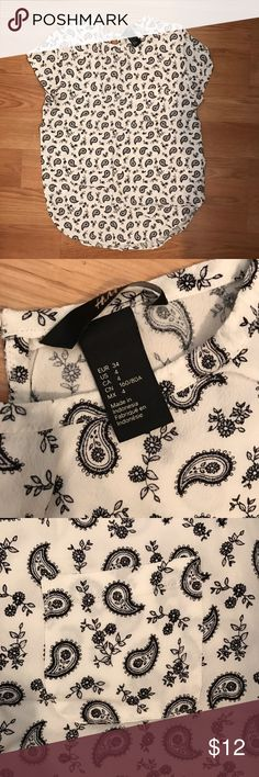 Paisley blouse Pocket and keyhole detail H&M Tops Blouses