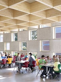 Salmtal Secondary School Canteen / SpreierTrenner Architekten | ArchDaily