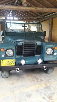 Land rover Santana restaurado frontal Land Rover Santana, Landrover Defender, Cars