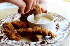 Kid friendly and very easy! Steak Fingers with Gravy: 2 pounds Tenderized Round Steak Or Cube Steak, Cut Into Strips 1 cup Flour 1 teaspoon Seasoned Salt teaspoon Black Pepper teaspoon Cayenne 3 whole Eggs 1 cup Milk Canola Oil And Beef Dishes, Food Dishes, Main Dishes, Tapas, Steak Fingers, Chicken Fingers, Chicken Thighs, Meat Recipes, Cooking Recipes