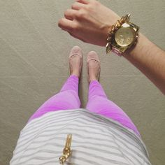 bright purple pants with grey stripe shirt and nude flats Sexy Outfits, Pretty Outfits, Summer Outfits, Cute Outfits, Summer Clothes, Spring Fashion, Autumn Fashion, Nude Flats, Summer Wear