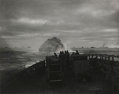 Oto chwalebna chwila amerykańskiej marynarki - US Coast Guard Cutter Spencer niszczy nazistowską łódź podwodną U-175, dnia 17 kwietnia 1943 roku.
