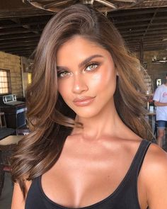 Bronzed luminous highlighter makeup look We are want to say thanks if you like t Summer Makeup Looks bronzed Highlighter luminous Makeup Pretty Makeup, Makeup Looks, Beauty Makeup, Hair Beauty, Makeup Style, Light Brown Hair, Deep Brown Hair, Light Brown Ombre, Highlighter Makeup