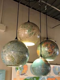 Upcycled World Globe – Easy DIY Pendant Lights LIght fixtures . - Upcycled World Globe – Easy DIY Pendant Lights LIght fixtures made from old globe - Upcycled Home Decor, Upcycled Furniture, Diy Furniture, Furniture Projects, Diy Projects, Upcycling Projects, Repurposing, Upcycle Home, Street Furniture