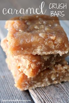 Crush Bars Caramel Crush Bars - This exquisite dessert will melt in your mouth and leave you begging for more! I bet you can't eat just one!Caramel Crush Bars - This exquisite dessert will melt in your mouth and leave you begging for more! I bet you can't Mini Desserts, Easy Desserts, Delicious Desserts, Yummy Food, Desserts Caramel, Desserts Keto, Quick Dessert Recipes, Coconut Desserts, Holiday Desserts