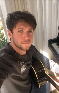 Niall Horam, Niall Horan Baby, Irish Boys, Irish Men, One Direction Pictures, I Love One Direction, James Horan, Hayley Williams, Anne Hathaway