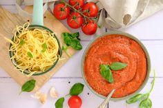 Snelle pastasaus uit de blender - Lekker eten met Linda Quick Family Meals, Pasta Sauces, Blenders, Main Dishes, Spaghetti, Food And Drink, Veggies, Low Carb, Keto