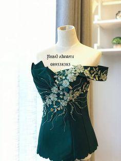 Moda Peru, Petite Dresses, Simple Dresses, Traditional Dresses, Pretty Outfits, African Fashion, Blouse Designs, Designer Dresses, Marie