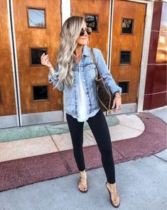 37 Attractive Denim Jeans Outfit Ideas For Women In Summer Preppy Summer Outfits, Cute Casual Outfits, Spring Outfits, Jean Outfits, Fashion Outfits, Womens Fashion, Perfect Fall Outfit, Elegant Outfit, Everyday Outfits
