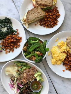 Healthy meals, juices, and smoothies at True Food Kitchen Houston. Read about this restaurant and other great spots in Houston. Houston Restaurants, Paleo, True Food, Healthy Meals, Healthy Recipes, Lunches And Dinners, Chana Masala, Smoothies, Easy