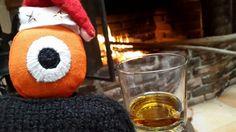 fuego para la pupila,      whiskey para el corazón.        !   +) ______________  fire for the eye, whiskey for the heart!