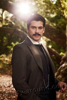 *-* Burak Ozcivit as Kamran photo Most Handsome Men, Handsome Boys, Tv Series 2013, Burak Ozcivit, Turkish Actors, Good Looking Men, Cute Guys, Celebrity Photos, Biography