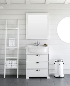SVEA vanity unit. SVEA mirror. SVEA ladder chalk.
