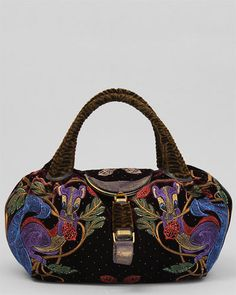 Browse unique items from pasaboho on Etsy, a global marketplace of handmade, vintage and creative goods. Vintage Bags, Vintage Dresses, Custom Purses, Travel Chic, Arm Candies, Designer Totes, Best Bags, Women's Handbags, Embroidery Ideas