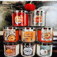 Bath and Body works got their fall seasonal candles back ❤️😍 Halloween Care Packages, Fete Halloween, Halloween Candles, Halloween Bedroom, Autumn Cozy, Autumn Fall, Autumn Leaves, Fall Candles, Pumpkin Candles