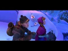"""Frozen, el reino del hielo (Nuevo tráiler). Cuando una profecía condena a un reino a vivir un invierno eterno, la joven Anna, el temerario montañero Kristoff y el reno Sven emprenden un viaje épico en busca de Elsa, hermana de Anna y Reina de las Nieves, para poner fin al gélido hechizo. Adaptación libre del cuento """"La reina de las nieves"""""""