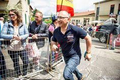 rifornimento al volo del nostro gel al Giro d'Italia per il team Nippo Fantini ;)