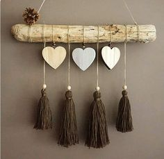 Suspension bois flotte coeurs et pompons Source by The post This article is not available appeared first on Wooden. Diy Wall Art, Diy Art, Diy Home Crafts, Arts And Crafts, Image Deco, Yarn Wall Hanging, Macrame Projects, Driftwood Art, Diy Room Decor
