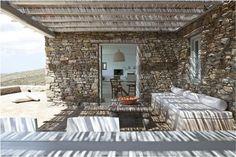 Detalle_de_decoracion_fachada_rustica_en_piedra