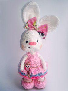 Pretty bunny amigurumi in dress pattern