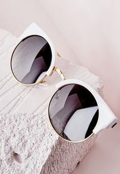 Lunettes de soleil demi-monture blanche