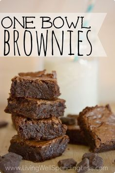 These amazing brownies whip up super fast in just one bowl, and you can even make them out of leftover candy instead of chocolate chips! I seriously didn't believe homemade brownies could beat the box version, but this recipe proved me wrong! One Bowl Brownies, Best Brownies, Fudge Brownies, Yummy Treats, Sweet Treats, Yummy Food, Craving Chocolate, Chocolate Chips, Chocolate Brownies