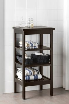 Add storage and style to your bathroom with the IKEA HEMNES shelf unit! The open shelves give a clear overview and easy access to towels, toiletries or anything you need to keep close at hand.