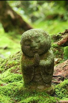 Garden Jizo. Sanzen-in Temple, Kyoto, Japan. Our friend Alex makes similar pieces and we have two in our garden, plus a tourou, Japanese stone lantern.