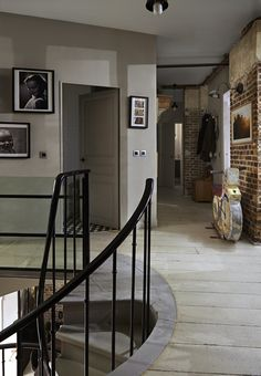 Scheme 7 - Wall and floor painted in Farrow & Ball Shaded White. Image from Decorating with Colour. Living Room White, House Design, Painted Floors, Decor, Farrow Ball, Home, Country Living Room, White Lounge, Interior And Exterior
