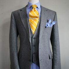 corbata-amarilla-pañuelo-amarillo-complementos-naranjas-04