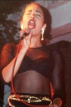 Rare photo of Selena in concert