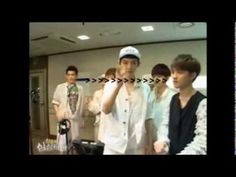 D O reaction when Chanyeol pull a straw from his mouth