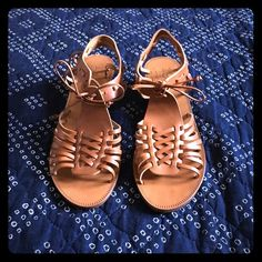 Madewell Basket Weave Huarache Sandals Get ready for spring with these sandals! Brand new in box! These sandals were purchased from Madewell and have never been worn. They are in excellent condition! Stacked wedge heel is approximately 2in. Madewell Shoes Sandals