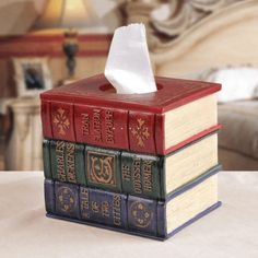 Old books tissue box cover! Tissue Box Covers, Tissue Boxes, Tissue Holders, Tissue Paper, Decoration Table, Dorm Decorations, I Love Books, My Books, Books As Decor
