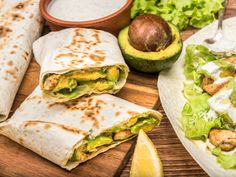Try these simple yet satisfying chicken avocado burritos for a lovely lunch option. You'll want to make them for breakfast and dinner, too! Easy Cooking, Cooking Recipes, Blender Recipes, Veg Soup, Mexican Food Recipes, Ethnic Recipes, Avocado Recipes, Easy Chicken Recipes, Food Porn