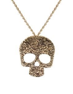 not a fan of skull jewelry but i love this