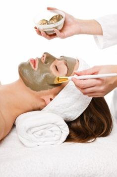 Each month I achieve my goals I will treat myself to a facial and a massage. Facial Treatment, Hair Loss Treatment, Body Treatments, Homemade Facials, Homemade Mask, Homemade Beauty, Organic Facial, Face Massage, Spa Services