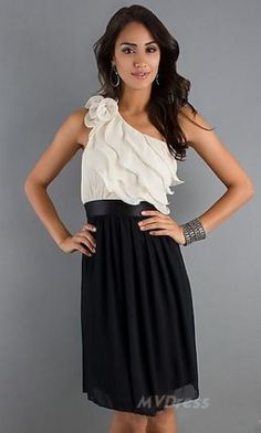 Shop for long prom dresses and formal evening gowns at Simply Dresses. Short casual graduation party dresses and long designer pageant gowns. 8th Grade Prom Dresses, Homecoming Dresses, Homecoming Ideas, Prom Dresses Tumblr, Cruise Dress, Glamorous Dresses, Special Occasion Dresses, Chiffon Dress, Pretty Dresses
