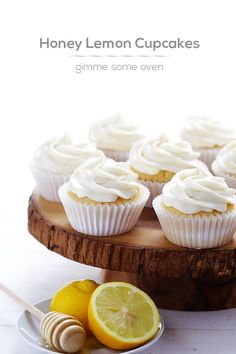 Honey Lemon Cupcakes (with Honey Cream Cheese Frosting), #Cheese, #Cream, #Cupcakes, #Honey, #Lemon