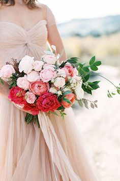 Romantic bouquet with shades of pink | Ashley Ludaescher Photography