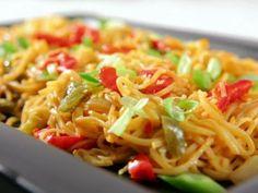 Vegetable Lo Mein Recipe : Sandra Lee : Food Network