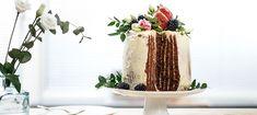 Vertical cake eli vertikaalikakku Food Food, Sugar, Baking, Bread Making, Patisserie, Backen, Sweets, Roast
