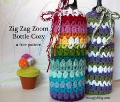 Free pattern for bottle holder.  Nice stitch combination of V's & clusters. . . . .   ღTrish W ~ http://www.pinterest.com/trishw/  . . . .    #crochet