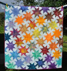 Star Baby quilt - QUILTING - My sister's first baby is due. I already made them a stealth changing mat, and decided to make this baby Star Quilt Blocks, Star Quilts, Quilting Projects, Sewing Projects, Liberty Quilt, Star Wars, Quilting For Beginners, Quilt Making, Baby Quilts