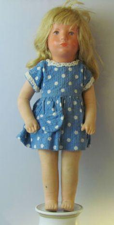 AA9-Originale-Kaethe-Kruse-Puppe-mit-viel-Zubehoer-Seriennummer-432152